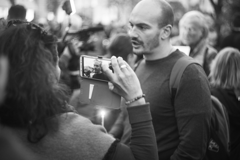 Бдение в памет на убитата журналистка Виктория Маринова