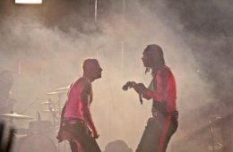Максим и Кийт Флинт от The Prodigy по време на концерт. Фото: Silver Blue @ Flickr